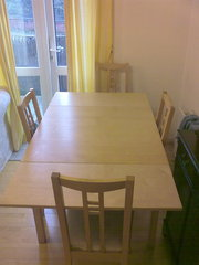 EXTENDABLE 4 SEATER DINIG TABLE AND CHAIRS